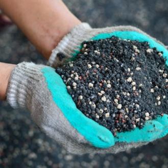 Reussir-sa-jardiniere chois du terreau engrais